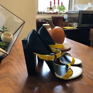 Awesome United Nude Block Heels